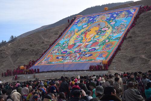 拉卜楞寺举行佛事活动