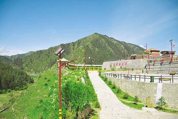 藏寨美景生财富——碌曲旅游产业发展侧记