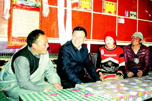 俞成辉:精准发力下真功 紧而又实拔穷根 全力以赴打赢脱贫攻坚这场硬仗