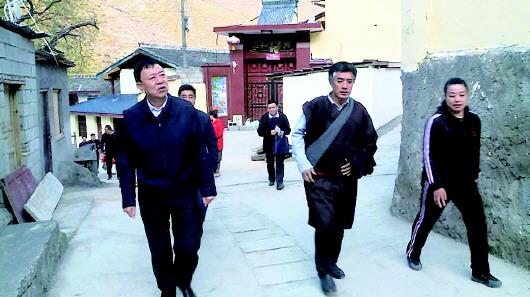 俞成辉:精心培育发展富民产业多措并举促进群众增收